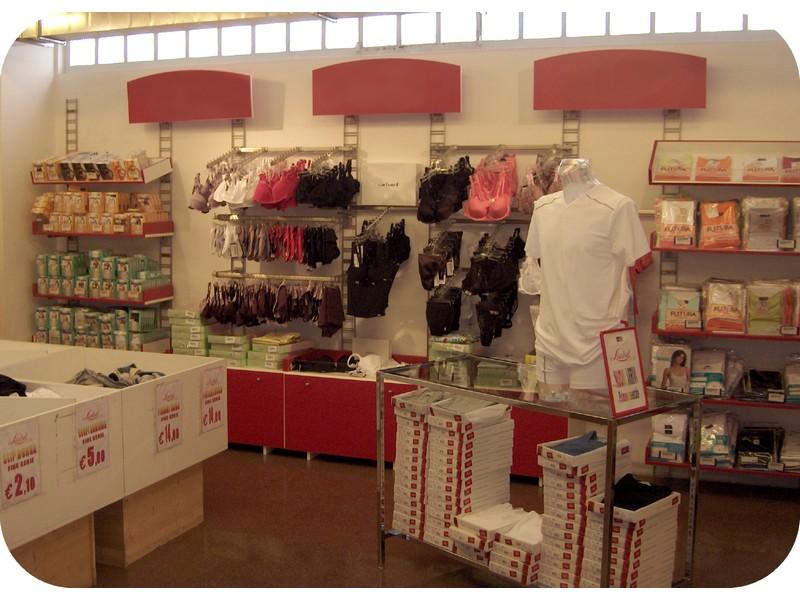 Arredamenti Negozi Outlet Per Grandi Store Di Collezioni