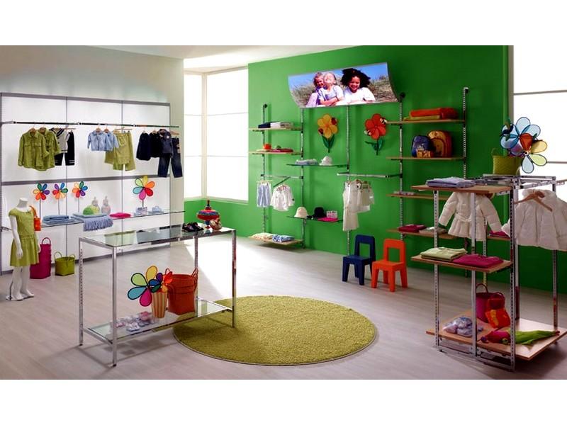 Arredi per negozi di abbigliamento bambini e prima infanzia for Arredi per negozi abbigliamento