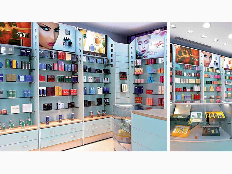 Arredamento negozi profumeria soluzioni per vendita di for Arredamento profumeria