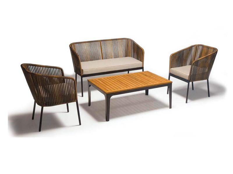 Accomodarsi sedie poltrone e tavoli per bar e ristoranti